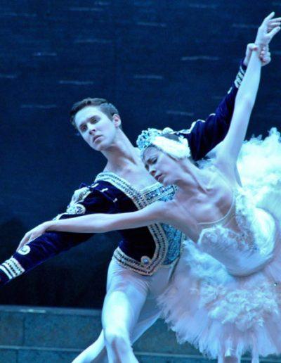 Ballet-Nacional-de-Cuba-El-lago-de-los-cisnes(1)