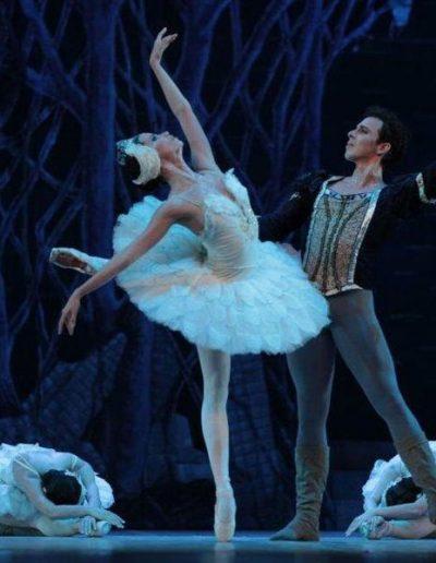 Ballet-Nacional-de-Cuba-El-lago-de-los-cisnes(2)