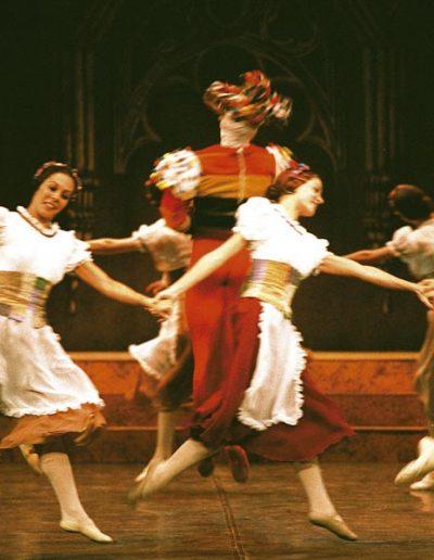 Ballet-Nacional-de-Cuba-El-lago-de-los-cisnes(5)