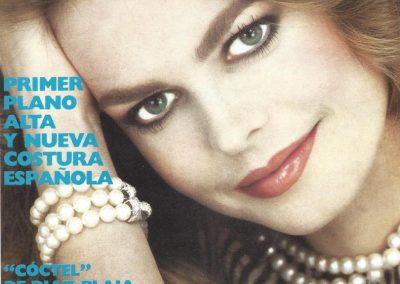 Portada del primer número de Vogue España